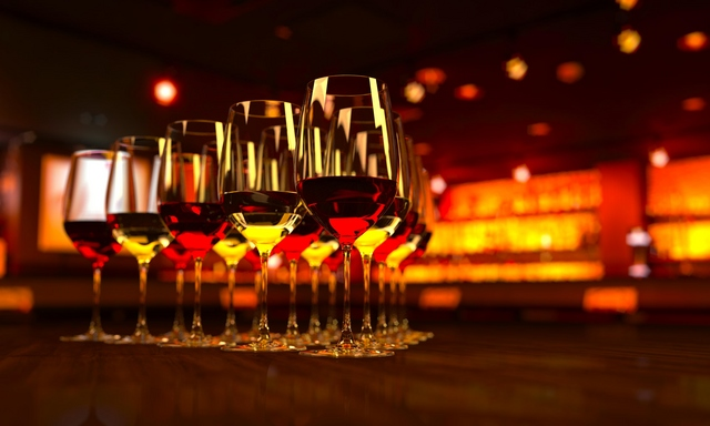 ワイングラスの画像